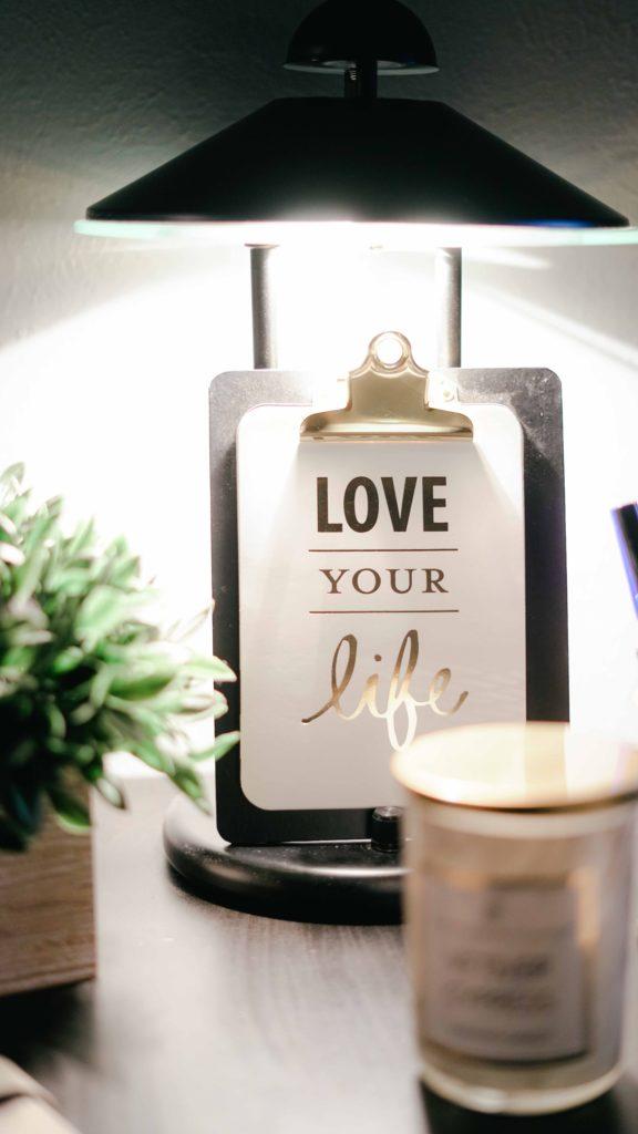 Love your life vivre sa vie